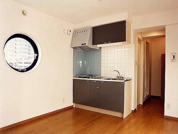 DK 1DKタイプのDKはまるで船室の様で住まう方の夢を膨らめます。